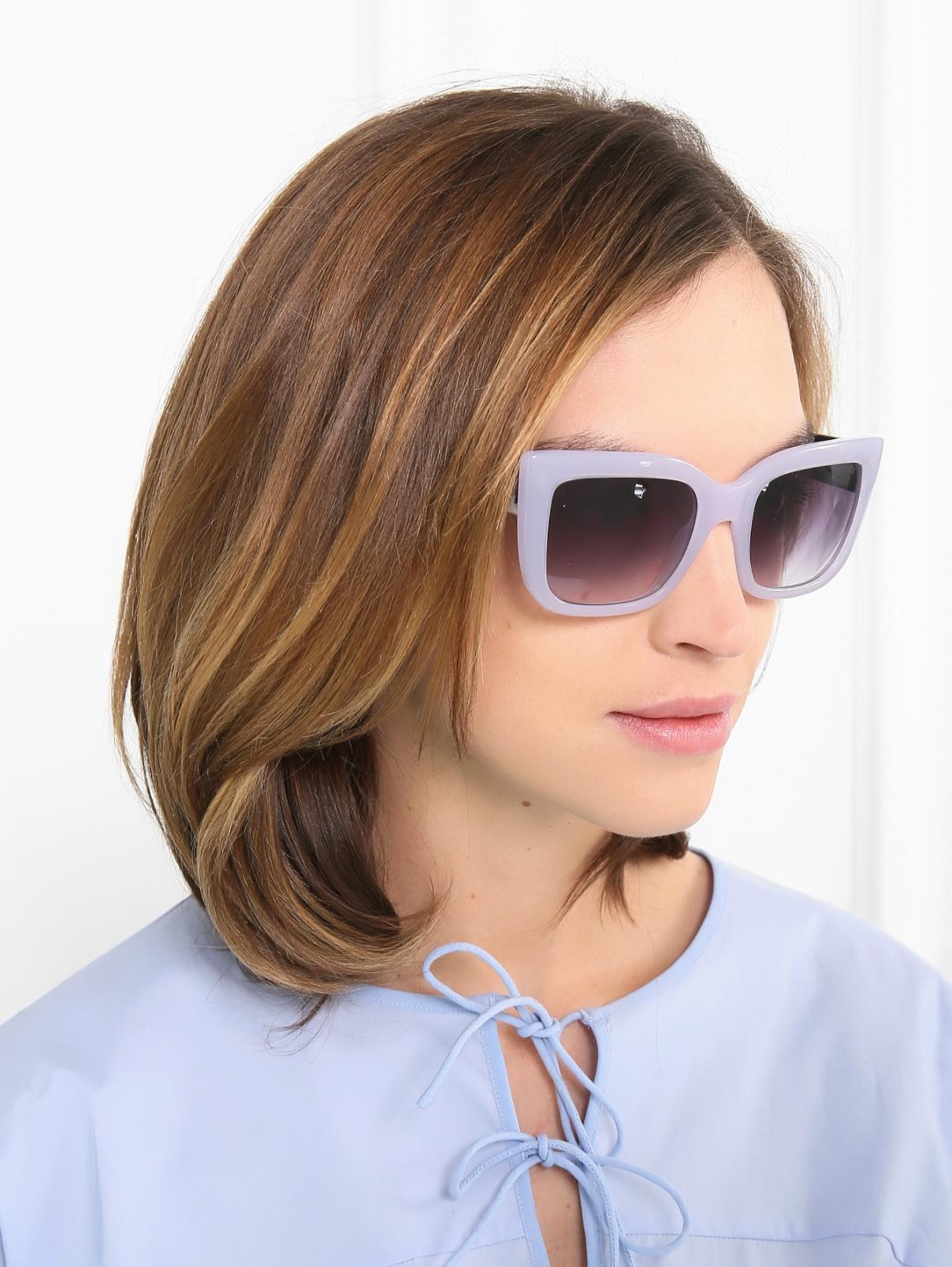 Солнцезащитные очки в пластиковой оправе с узором на дужках Max&Co  –  Модель Общий вид