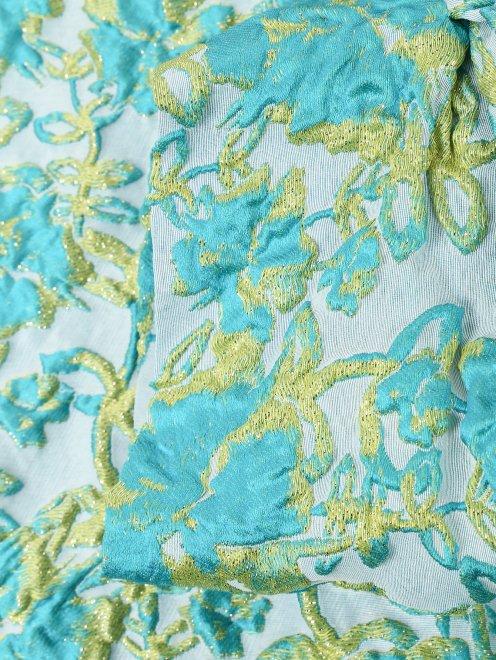 Полупальто из фактурной ткани с узором - Деталь